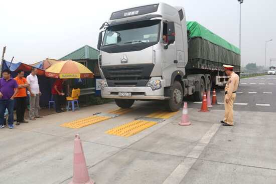 Tiếp tục tăng cường công tác kiểm soát tải trọng phương tiện
