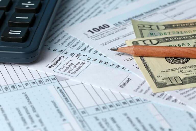 Khi nào bạn nên kèm hóa đơn VAT khi gửi vận chuyển?