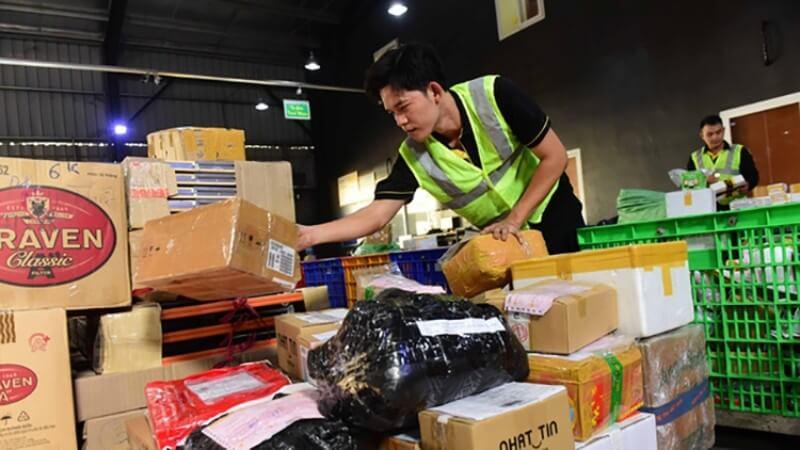 Vận chuyển hàng từ TPHCM đi Hà Nội qua công ty dịch vụ logistic