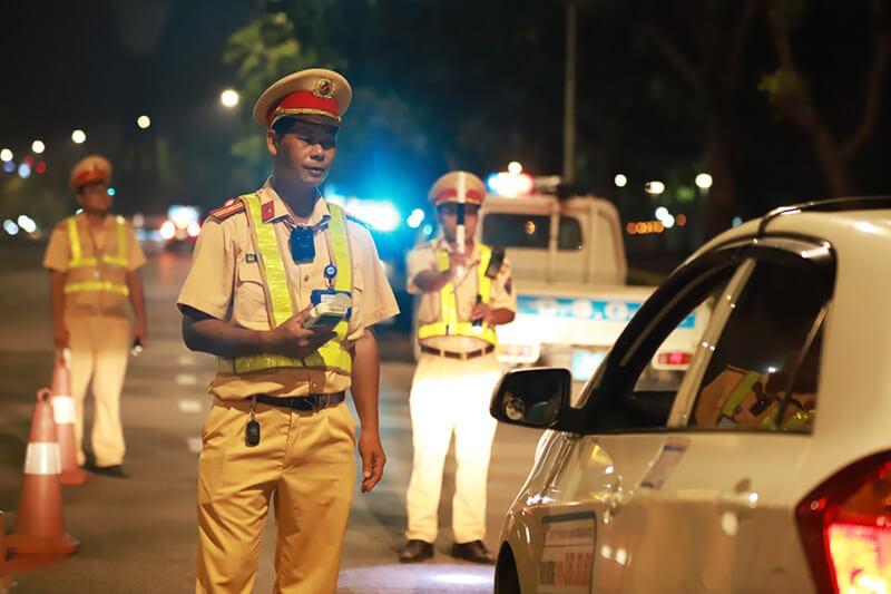 Xe kinh doanh vận tải không tiến hành đổi biển số sẽ bị xử phạt theo quy định