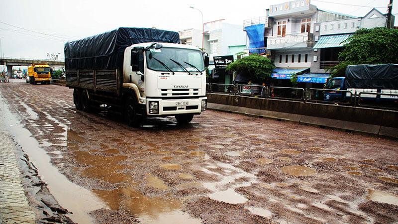 Di chuyển đường dài trên tuyến đường không an toàn dễ phát sinh rủi ro vận chuyển