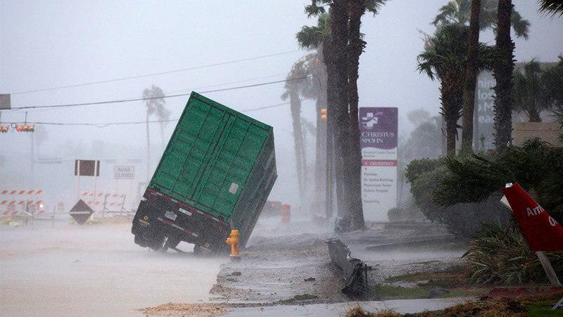 Nên mua bảo hiểm hàng hóa khi vận chuyển vào mùa mưa bão