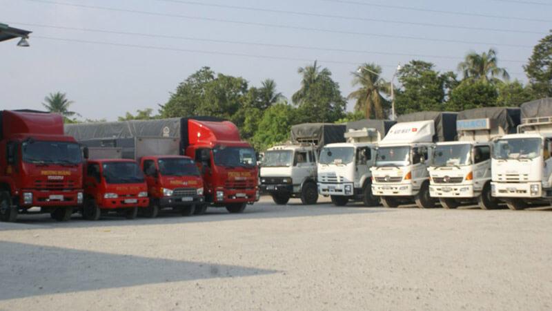 Đội xe mạnh hơn 100 chiếc sẵn sàng đáp ứng mọi nhu cầu vận chuyển