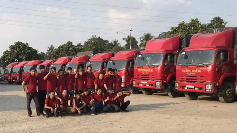Đội xe và đội ngũ nhân viên giàu kinh nghiệm luôn sẵn sàng đáp ứng mọi nhu cầu vận chuyển