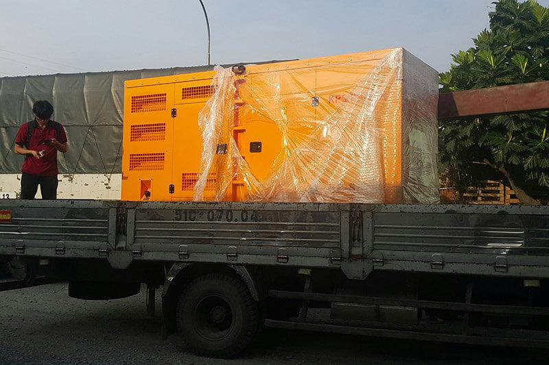 """Có xe """"tăng bo"""" hỗ trợ lấy hàng tận nơi trong TPHCM và lân cận cho khách hàng gửi hàng ghép"""