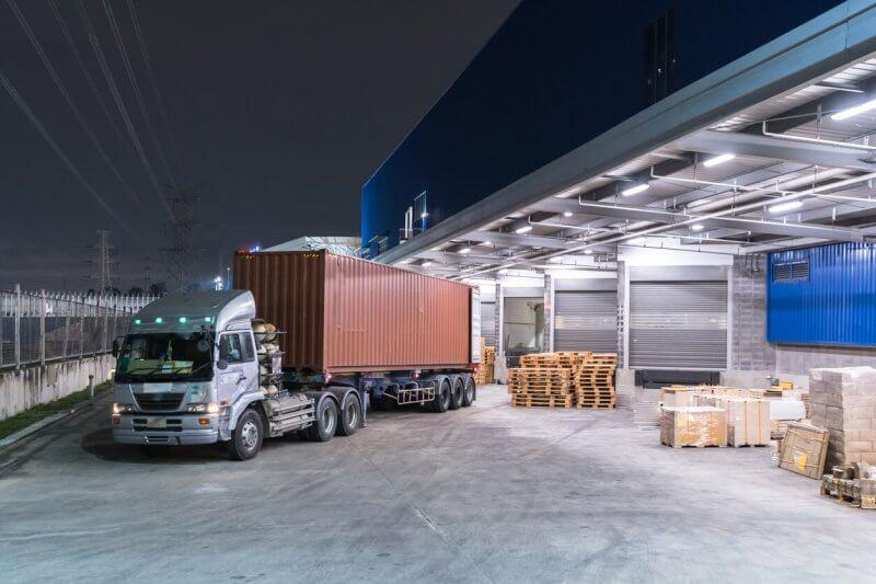vận chuyển hàng hóa bằng container
